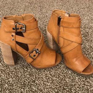 Dolce Vita Peep Toe Booties- Size 6